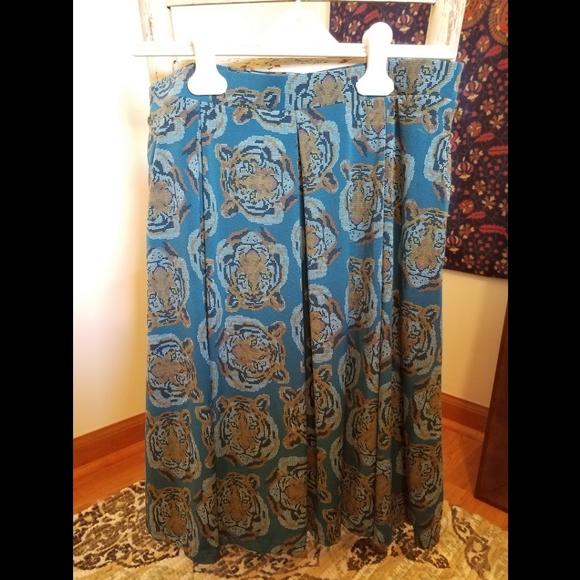 Lularoe blue tiger print Madison skirt size Medium